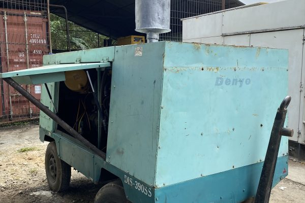 Air Compressor Trailer Model Denyo DIS390S 7Bar