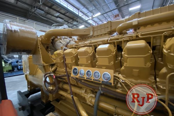 Genset CATERPILLAR OPEN TYPE 3508B RIGHT VIEW